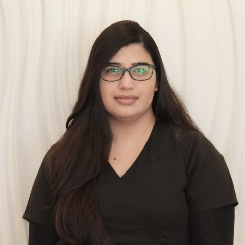 Asma - Airdrie - Dental Assistant